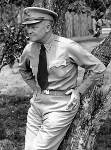 445px-Dwight_D._Eisenhower_as_General_of_the_Army_crop